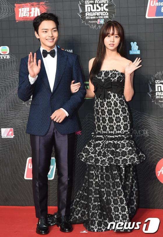 Các fan thích thú khi được gặp lại Yeo Jin Goo và Kim So Hyun - cặp đôi lấy đi không biết bao nhiêu nước mắt khán giả trong I Miss You.