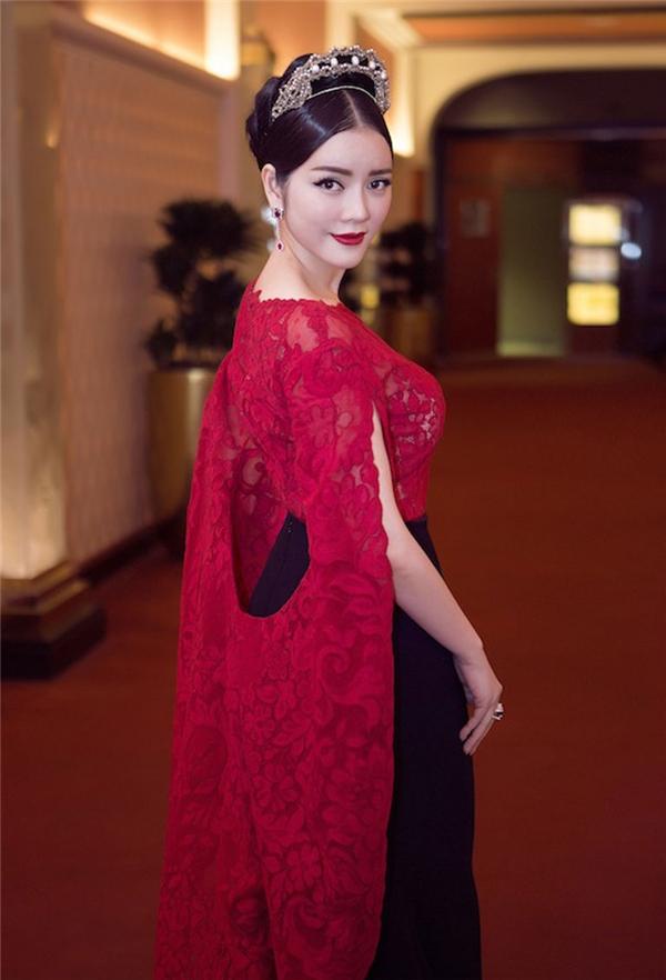 Mĩ nhân Việt và những lần tỏa sáng trên thảm đỏ quốc tế