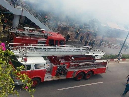 Hình ảnh về vụ cháy ở đường Phạm Văn Đồng. Ảnh: Internet