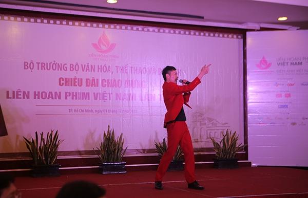 Chí Thiện đón Giáng sinh sớm, Sơn Ngọc Minh kỉ niệm một năm hát solo - Tin sao Viet - Tin tuc sao Viet - Scandal sao Viet - Tin tuc cua Sao - Tin cua Sao