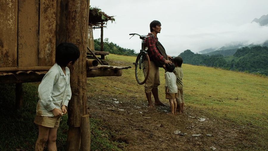 Cha cõng con là một trong những bộ phim bắt kịp xu thế quảng bá du lịchnhư nhiều tác phẩm điện ảnh trước đây như: Cánh đồng bất tận, Thiên mệnh anh hùng, Tôi thấy hoa vàng trên cỏ xanh, Mỹ nhân kế…