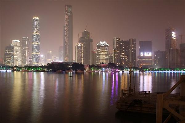 5. Trung tâm Thương mại Thế giới 1 ở New York, Mỹ cao 541 m.   6. Trung tâm Tài chính CTF ở Quảng Châu, Trung Quốc cao 530 m.