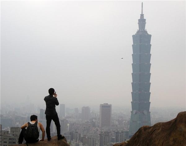 7. Tháp Đài Bắc 101 ở Đài Bắc, Đài Loan cao 509 m.