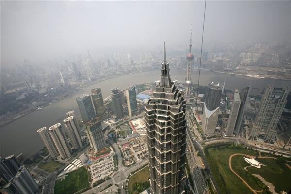 17. Tháp Kim Mậu ở Thượng Hải, Trung Quốc cao gần 421 m.