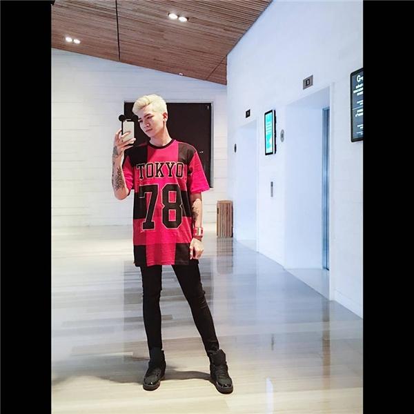 Trần Bảo Bảo trông vẫn nam tính, mạnh mẽ với phong cách thời trang lưỡng tính đang khá thịnh hành.