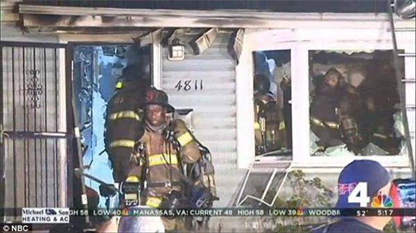 Ngôi nhà ở thị trấnLandover Hills, Maryland, Mỹ đột nhiên bốc cháyvào rạngsáng thứ tư vừa qua.(Ảnh: Daily Mail)