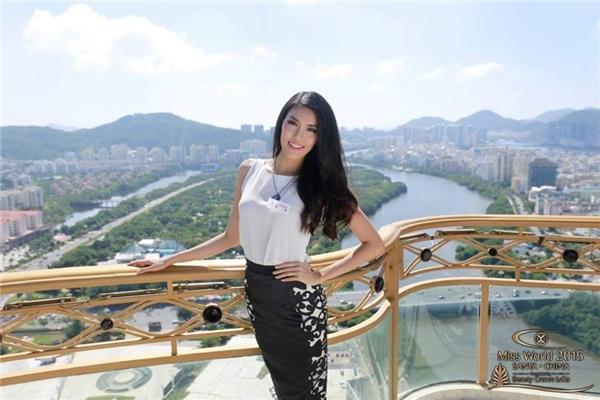 """""""Điều làm Khuê cảm xúc nhất trong tuần đầu tiên tại Miss Worldđó là tình cảm, sự ủng hộ nhiệt thành của khán giả Việt Nam, của các anh chị em nghệ sĩ đã không ngừng kêu gọi và bình chọn cho Khuê. Điều đó thật tuyệt vời"""",Lan Khuê chia sẻ. - Tin sao Viet - Tin tuc sao Viet - Scandal sao Viet - Tin tuc cua Sao - Tin cua Sao"""