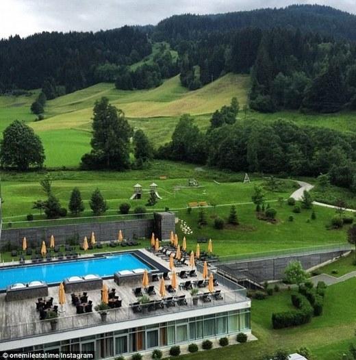 Tháng trước, Schlappig viếng thăm Đức,Áo và đăng tấm ảnh chụp khung cảnh từ phòng khách sạn của anh.(Ảnh: Internet)
