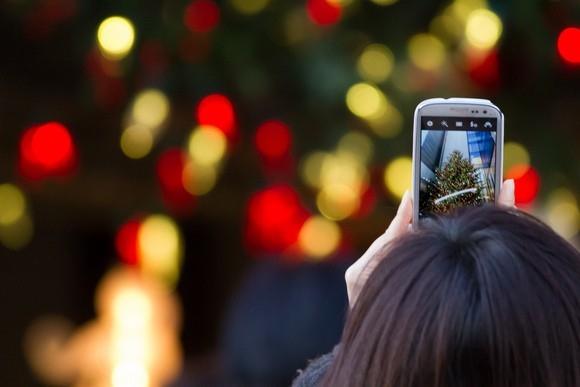 Đèn màu giáng sinh có làm Wi-Fi yếu đi? Ảnh:PCWorld.