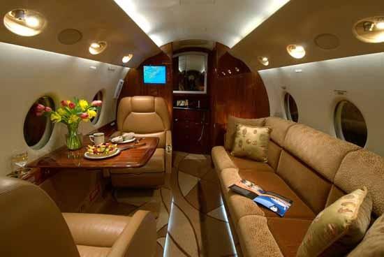Bên trong chiếc Gulfstream G200 mới tậu của Ronaldo