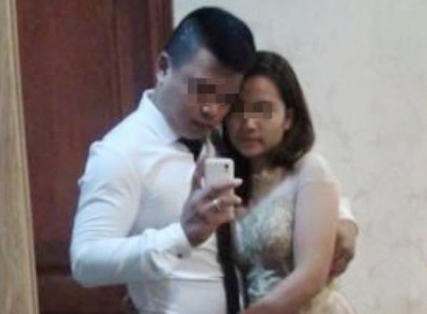 Cặp đôi mặc váy cưới chụp ảnh trước khi uống thuốc diệt cỏ tự tử.