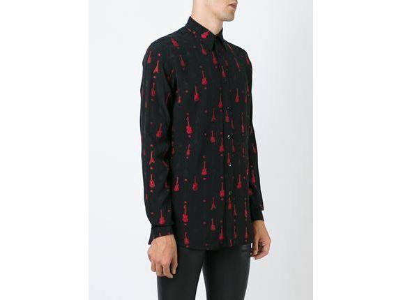 Một chiếc áo sơ mi khác của Saint Laurent có giá 15 triệu.