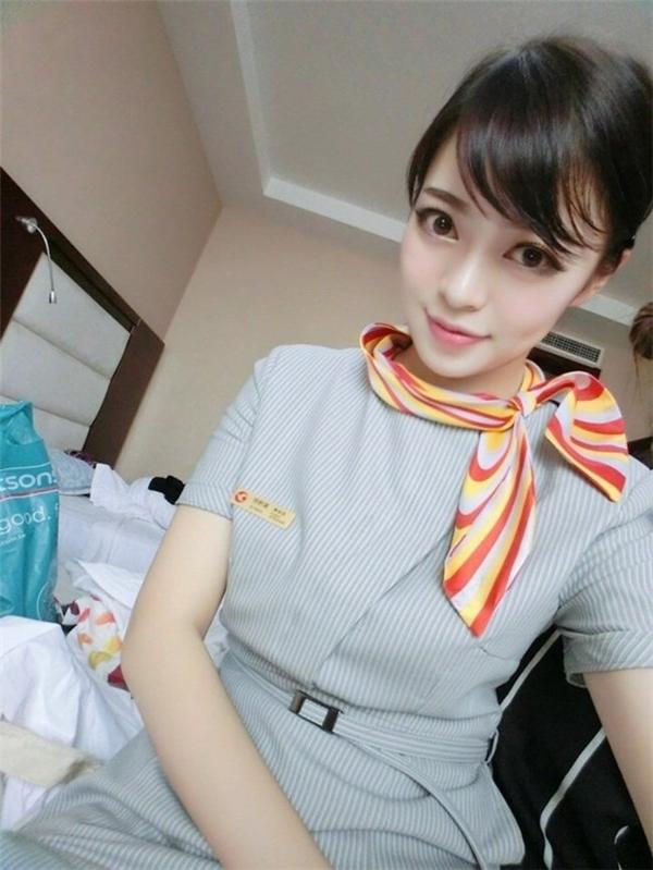 Ngây ngất nhan sắc nữ tiếp viên hàng không biệt danh Sát thủ trái tim