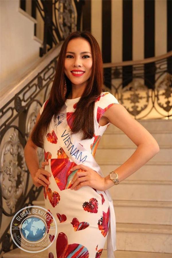 Với vẻ đẹp hiện đại, cá tính, Lệ Quyên được khán giả nước nhà kì vọng sẽ làm nên chuyện tại cuộc thi năm nay. Nhưng may mắn đã không mỉm cười với người đẹp gốc Bạc Liêu khi Lệ Quyên không được xướng tên trong top 20. Điều này đồng nghĩa với việc Lệ Quyên tiếp tục trắng tay trong đêm chung kết. Trước đó, cô từng tham gia Hoa hậu Hòa bình Quốc tế (Miss Grand International 2015) tại Thái Lan và cũng không có mặt trong top 20 chung cuộc. - Tin sao Viet - Tin tuc sao Viet - Scandal sao Viet - Tin tuc cua Sao - Tin cua Sao