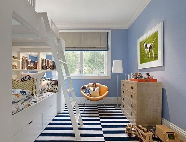 Nếu bạn đang phân vân trang trí phòng ngủ với sắc xanh pastel như thế nào thì đây là một gợi ý tuyệt vời cho bạn. Những chiếc rèm cửa màu xanh pha cam thật tinh nghịch khiến căn phòng trông rất hiện đại chứ không bị chìm đắm trong sự nhẹ nhàng nữa.   Nếu bạn đang phân vân phải chia sẻ không gian với chị gái hoặc bạn cùng phòng như thế nào thì giường tầng là một giải pháp không thể bỏ qua. Chiếc giường tầng giúp bạn tận dụng được hết không gian của căn phòng dù diện tích phòng không quá rộng. Điểm cộng cho căn phòng màu xanh này là sàn nhà lót thảm đen trắng. Trông rất nổi bật và hiện đại.