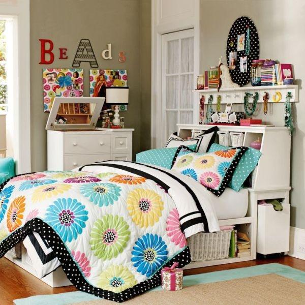 """Ga trải giường là gợi ý không tồi cho việc """"thay quần áo"""" cho căn phòng của bạn."""