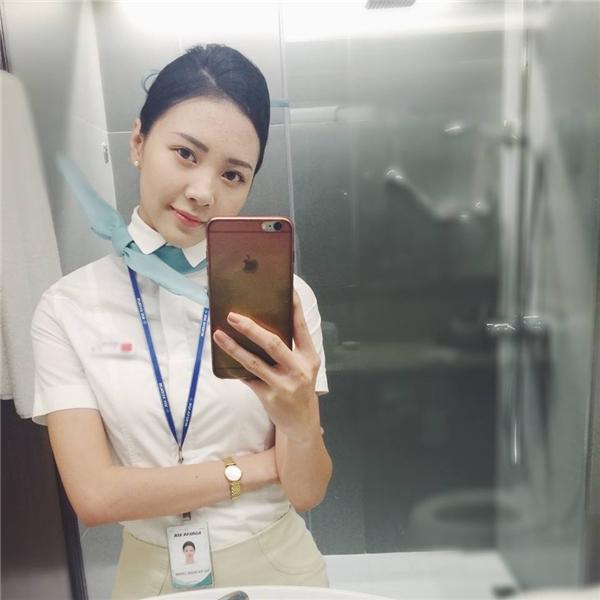 Bên cạnh việc hoạt động nghệ thuật, cô nàng còn là một tiếp viên hàng không. - Tin sao Viet - Tin tuc sao Viet - Scandal sao Viet - Tin tuc cua Sao - Tin cua Sao