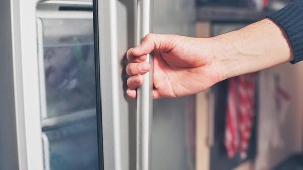Cất trữ đồ ăn trong tủ lạnh sai cách khiến cơ thể yếu đi trông thấy