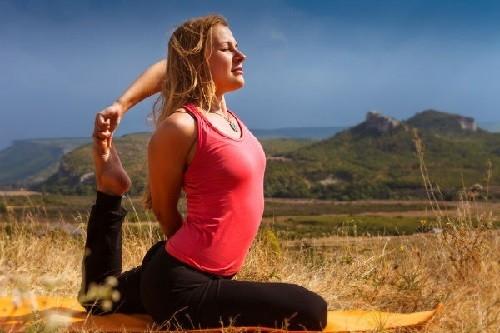 Tập thể dục vào cuối tuần mang lại nhiều lợi ích cho bản thân và sức khỏe của bạn. Ảnh: Boldsky.