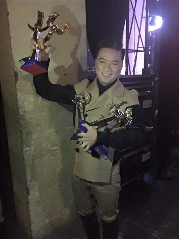 """Mr. Đàm """"tố"""" Thu Minh giành cúp của mình về làm… đồ chơi cho con - Tin sao Viet - Tin tuc sao Viet - Scandal sao Viet - Tin tuc cua Sao - Tin cua Sao"""