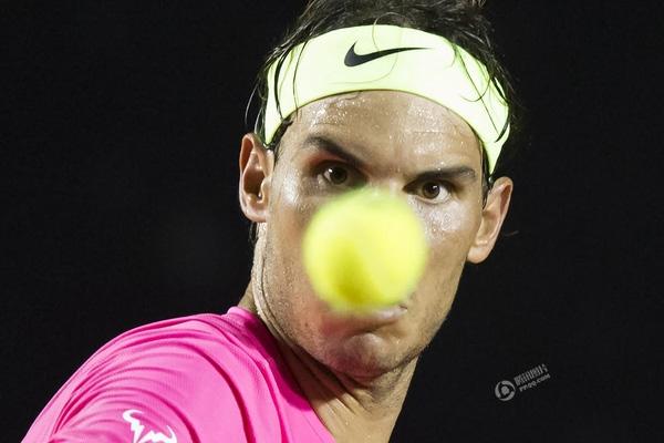 Bức ảnh được Felipe Dana chụp vào ngày 21/2 trong một trấn đấu tennis tổ chức tại Rio de Janeiro, Brazil.