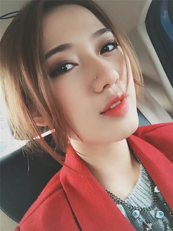 Có thể nói Trang Cherry là một cô hot girl vô cùng cá tính của đất Hà Thành.