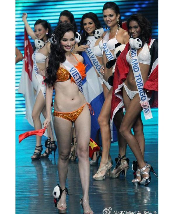Đọ sắc mĩ nhân Việt diện bikini tại các đấu trường nhan sắc quốc tế