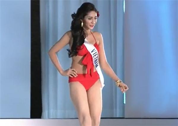 Hoa hậu Đại dương Đặng Thu Thảo trong phần thi bkini tại Hoa hậu Quốc tế 2014.