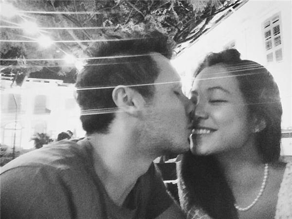 Cặp đôi nàng Việt - chàng Tây gây sốt cộng đồng mạng.(Ảnh: Facebook)