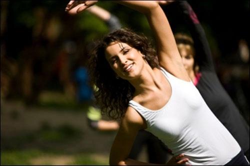 Tập thể dục với dạ dày trống rỗng, sau đó bạn sẽ nạp thức ăn vào cơ thể không kiểm soát. Ảnh minh họa.