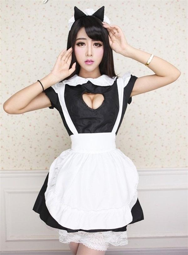 Hạ Tiểu Vi, tên tiếng Anh là Vivihoney, sinh ngày 2/2 tại Vũ Hán, Hồ Bắc, Trung Quốc. Cô cao 1,68m, nặng 42kg, số đo ba vòng là 88- 59 - 86, hiện đang một trong những hot girl gợi cảm đình đám của Trung Quốc.