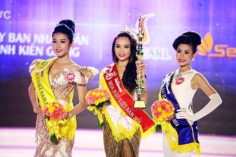 Nhìn lại một năm đầy sóng gió của hoa hậu Kỳ Duyên - Tin sao Viet - Tin tuc sao Viet - Scandal sao Viet - Tin tuc cua Sao - Tin cua Sao