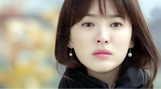 Song Hye Kyo thành công vang dội với vai diễn Eun Seol trong phim Trái tim mùa thu. (Ảnh: Internet)