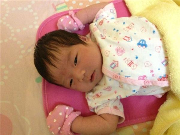 Lộ diện hình ảnh cực đáng yêu của con gái Lương Bích Hữu - Tin sao Viet - Tin tuc sao Viet - Scandal sao Viet - Tin tuc cua Sao - Tin cua Sao