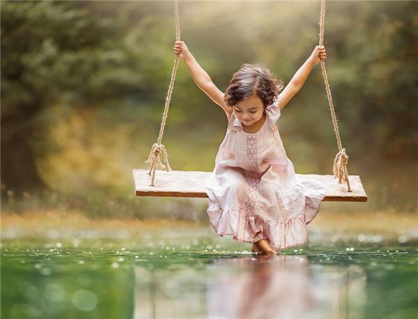 Thời gian như dừng lại, không gian như lắng đọng bởi năng lượng thuần khiết toát ra từ thiên thần nhỏ này.(Ảnh: Lilia Alvarado)