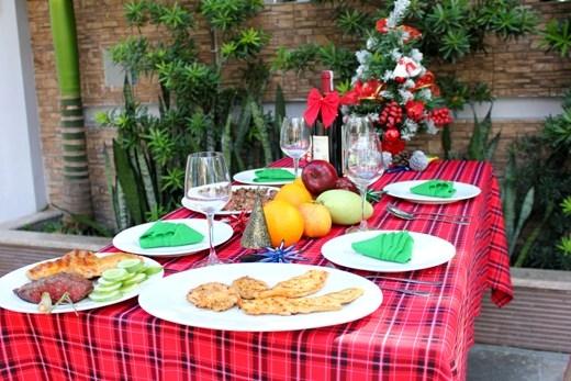 Ốc Thanh Vân, đầu bếp Võ Quốc hướng dẫn chuẩn bị tiệc Giáng sinh