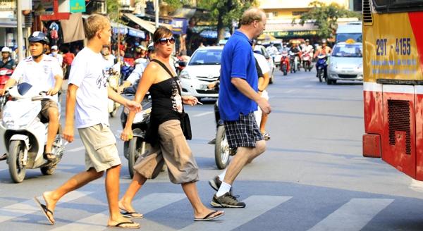 12 quy tắc qua đường của một người Mỹ tại Việt Nam!