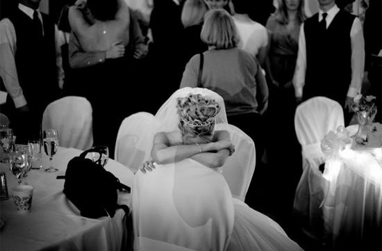 Lặng người bộ ảnh cô dâu trước khi chết