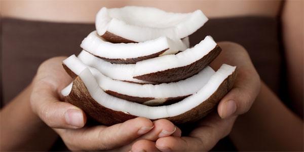 11 công dụng thần kỳ của dầu dừa cho nhan sắc!