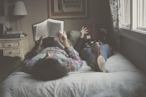 Dành 1 giây phút ta yêu nhau