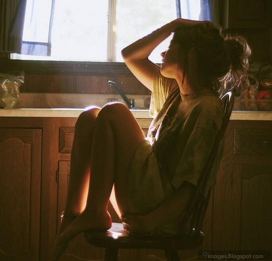 Mạnh mẽ lên, cuộc đời đâu chỉ cô độc một mình em