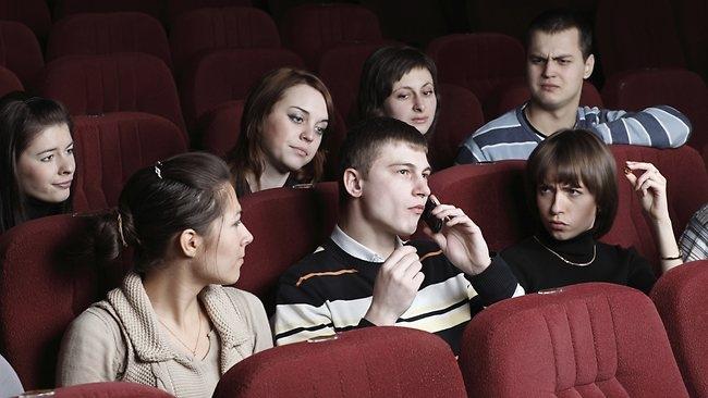 5 Điều nên làm khi cùng người ấy đi xem phim trong lần hẹn đầu tiên