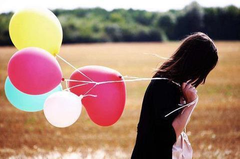 Con gái à, đời không phải là cổ tích! Bớt mơ mộng, sống thực tế sẽ không phải chịu nhiều tổn thương…