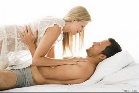 """Điều gì sẽ khiến chàng """"sướng điên"""" trên giường ngủ?"""