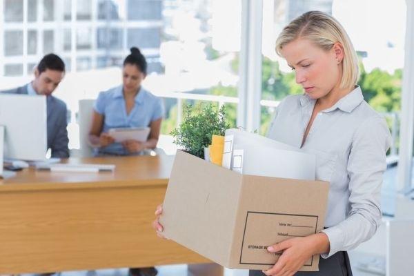10 thói quen khiến bạn dễ bị đuổi việc