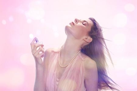 Hãy yêu như cách dùng nước hoa