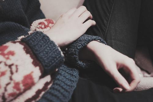 Tình cảm là thứ khiến con người ta trở nên xa lạ với chính mình