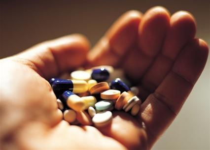 12 loại thực phẩm dùng cùng lúc uống thuốc cực kỳ nguy hiểm