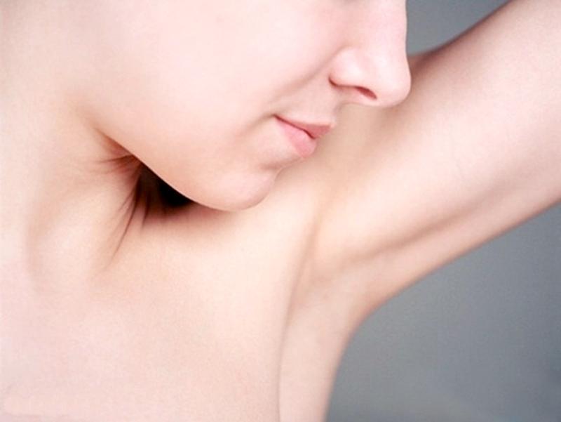 Tác hại của việc cạo lông vùng cánh và giải pháp an toàn cho bạn