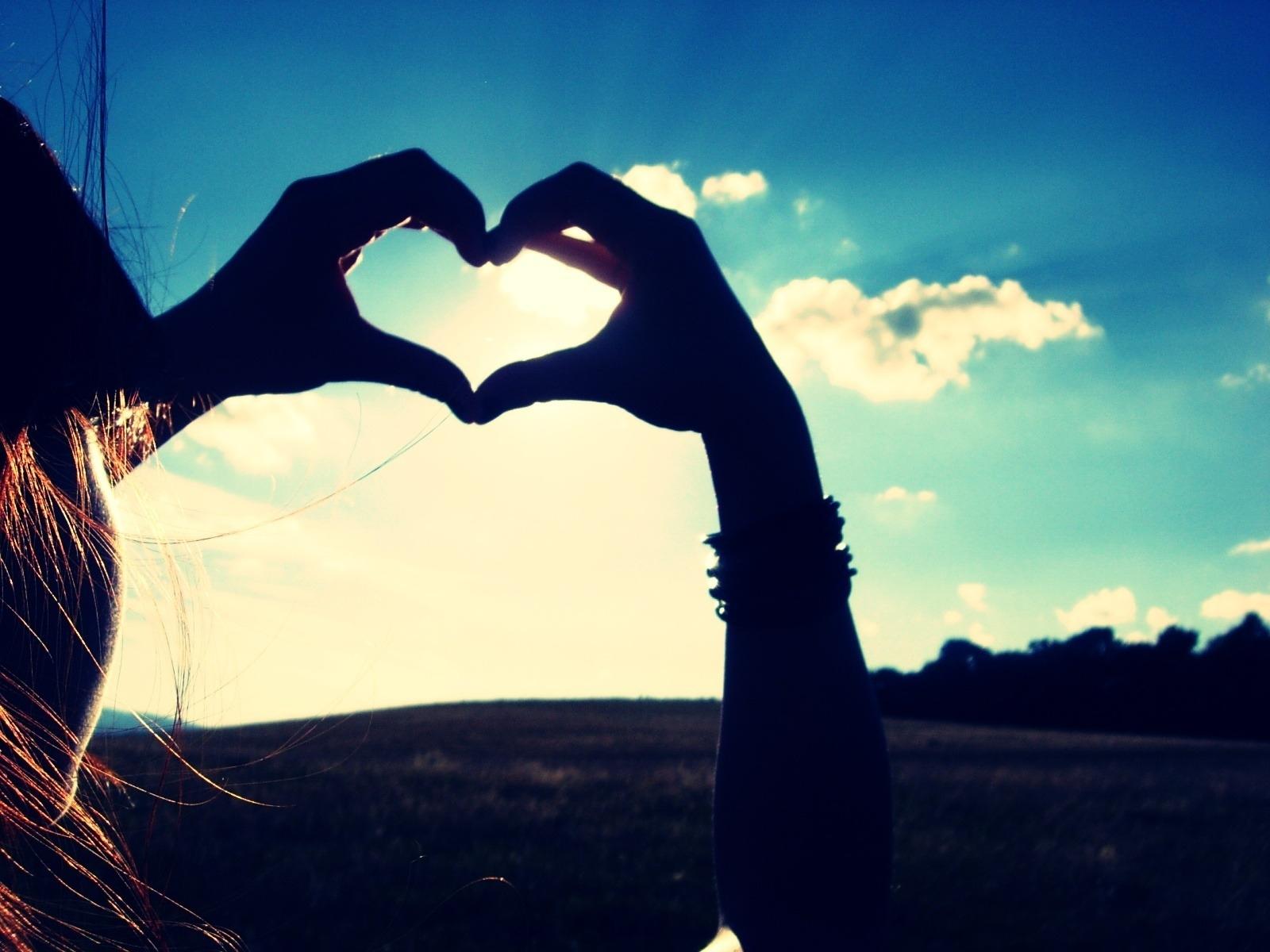 Tình yêu ... cũng đã từng một lần ngừng hy vọng.
